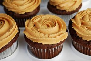 Cupcake com pasta de amendoim